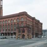 Montage Gerichtslaube vor dem Roten Rathaus_2012-06_Ausschnitt